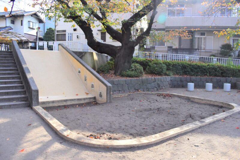 葉根木公園 砂場