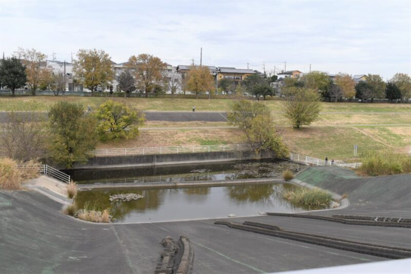 越流堤の景色