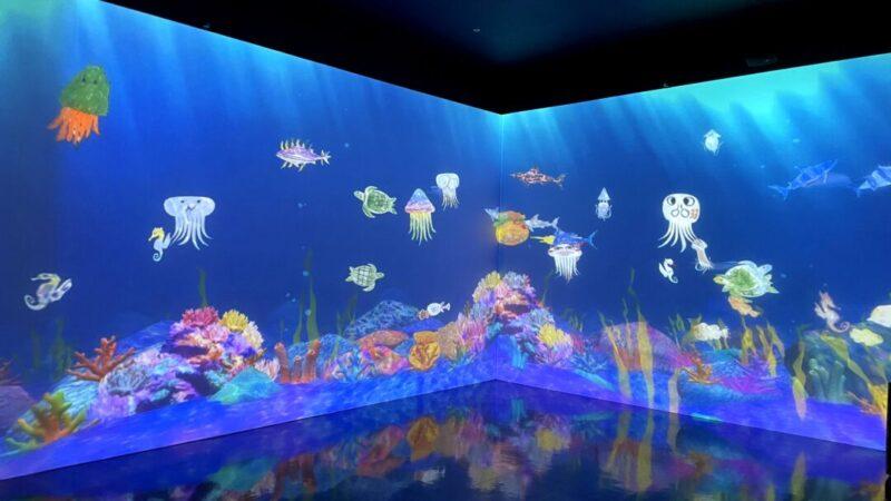 「チームラボ 学ぶ!未来の遊園地」お絵かき水族館