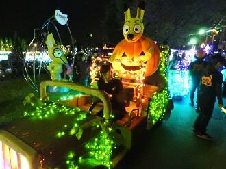 東武動物公園オータムナイトZOOのハロウィンナイトパレード